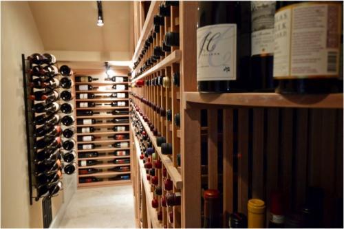 ok TRaditional Custom Residential Wine Cellar Design